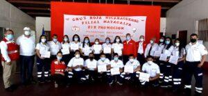 Foto de grupo- nuevos socorristas en compañía de miembros del Comité Ejecutivo Nacional y la Dirección Nacional de Capacitación